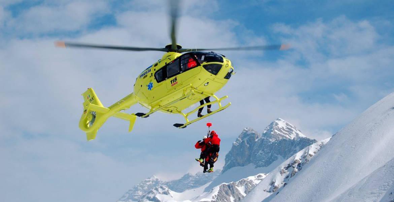 infermieri in elicottero per il soccorso alpino